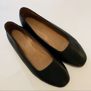 Madewell The Cory Flat in Black Leather